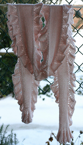 005_scarf_in_carport_medium