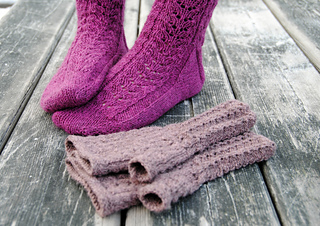 Wild_sage_socks3_small2