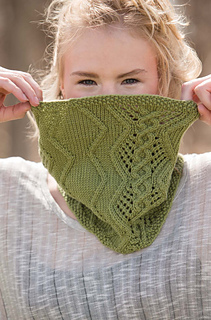 Wanderlust_-_cabled_cowl_beauty_shot_small2
