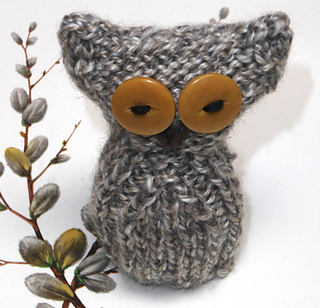 Ravelry: Owl Easter Creme Egg Cosy pattern by Tess Young