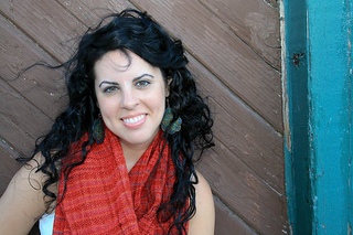 Red_scarf_2_small2