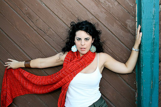 Red_scarf_4_small2