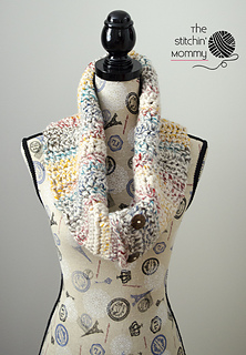 Rustic_chunky_button_cowl_2_small2
