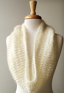 Cowl-mohair-white2_small2