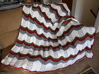 Wintery_ripple_afghan_001_small2