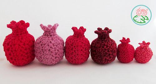 Amigurumi_pomegranates_-_2015_toma_creations_3_medium