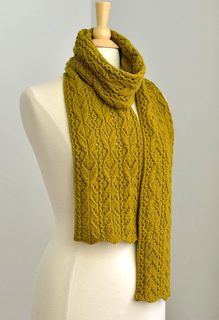 Bosc_scarf_mannequin_wrapped_1_small2