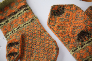 Blocked_mitts_001_small2