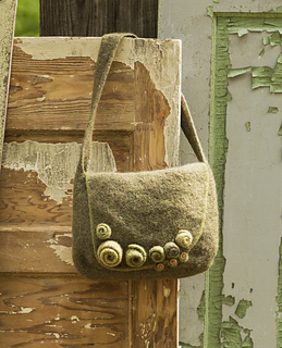 Rosettemessengerbag__deluxefelted_ravelry_small2