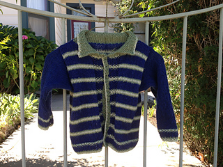 Kittens_and_alana_s_baby_sweater_048_small2