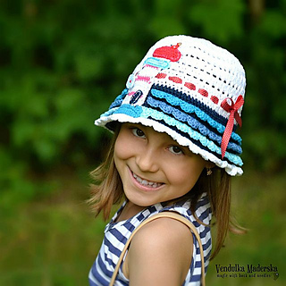Light_house_hat_6a_small2