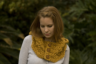 Mustard_hooded_cowl_8_small2