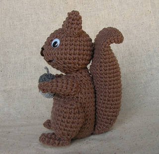 Squirrel-side_small2