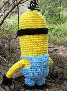 Minion-back_small2