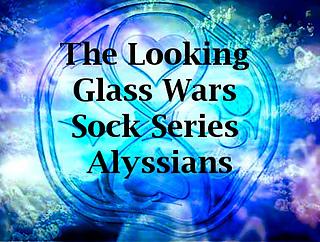 Looking_glass_wars_alyssiansjpg_small2
