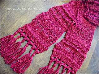 Red-scarf-table-570_small2