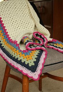 Simple_granny_triangle_shawl
