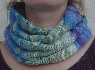 Tube Cowl Knitting Pattern : Ravelry: Circular Tube Cowl pattern by Feher Zsuzsanna