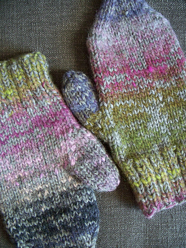 Deluxe Mittens #130 PDF