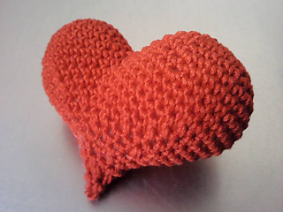 Ravelry: Asymmetrical puffy heart pattern by Celia