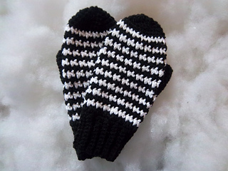 Houndstooth_mittens_010_small2