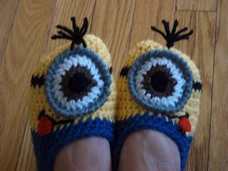 Minion_slippers_027_small2