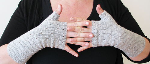 Mirri_mitts_gray_4_medium