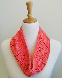 Malya_cowl_3_small2