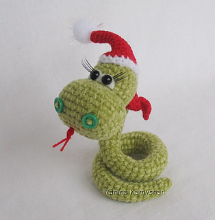 Ravelry: Christmas Snake pattern by Amigurumi Fair