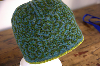 Anna_s_hat_small2