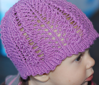 Kestral_s_party_adn_maple_s_hat_016_small2