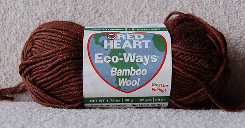 Red_heart_eco-wool_medium