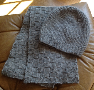 Hat_and_scarf_small2