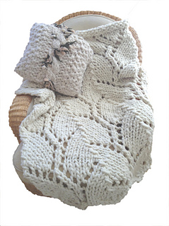 Trellis_blanket_with_pillow_small2