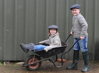 Stables_shoot_millie_and_william_wheelbarrow_small2