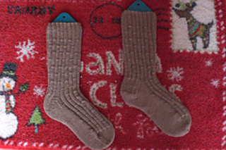 Chris__christmas_socks_08_small2
