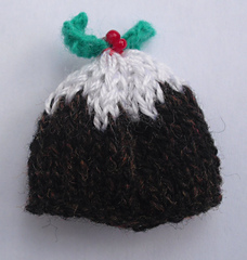 Ravelry: Christmas pudding tea cosy pattern by Helen Cox