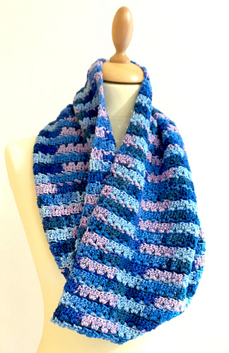 Smiley_stripe_cowl_medium
