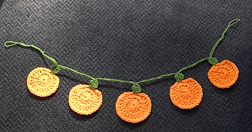 Pumpkin_garland_medium