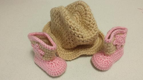 Savannah_hat_and_boots_set_11_medium