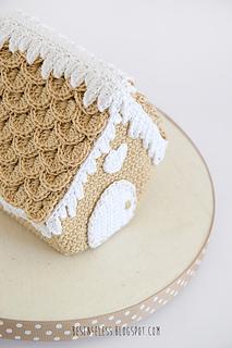 Gingerbread-house-airali-amigurumi-1_small2
