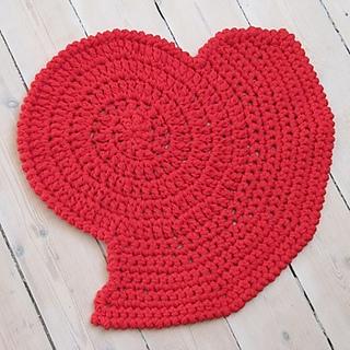 Kvadrat_heart_rug_small2