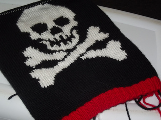 Pirate_sweater_small2