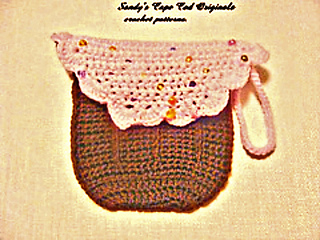 167_2cupcake_diaper_clutch3_small_small2