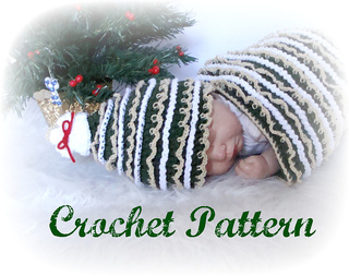 Christmas_tree_cocoon_hat_on_baby_small2