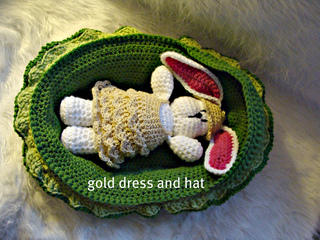 534_gold_dress_and_hat_small2