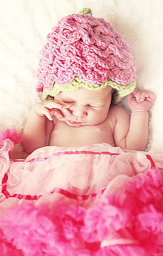 Pink_ruffle_hat_medium