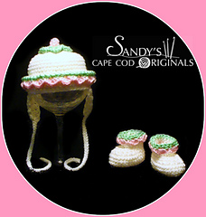 102a_hat_and_booties_small