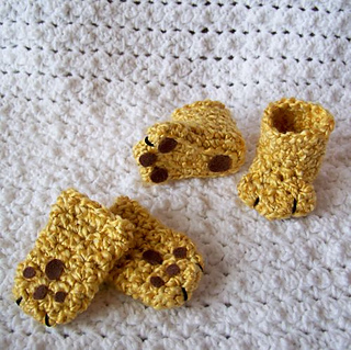 Lion_boots_and_mitts_2_small2