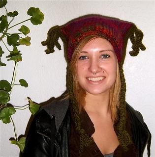 Bulky_braided_hat_aisha_1_small2